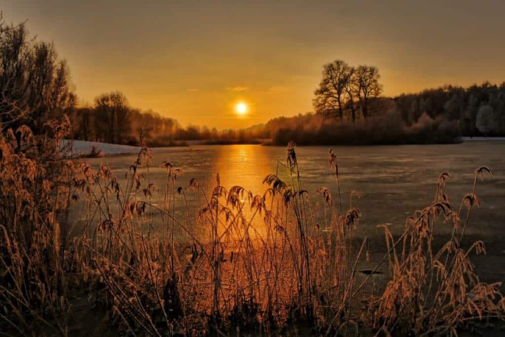 Sonnenuntergang über zugefrorenem See von mattefunk. Aufgenommen mit der LUMIX GH4.