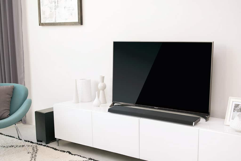 soundbar vs surround anlage was eignet sich besser f r das heimkino. Black Bedroom Furniture Sets. Home Design Ideas