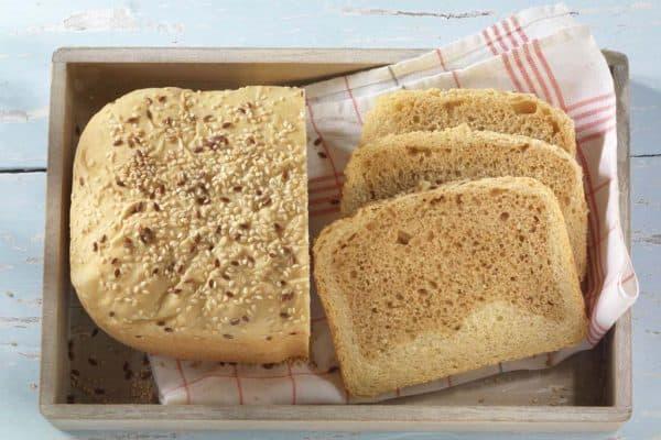 Starkes Doppel: Leckeres Brot mit dunklem und hellem Teig.