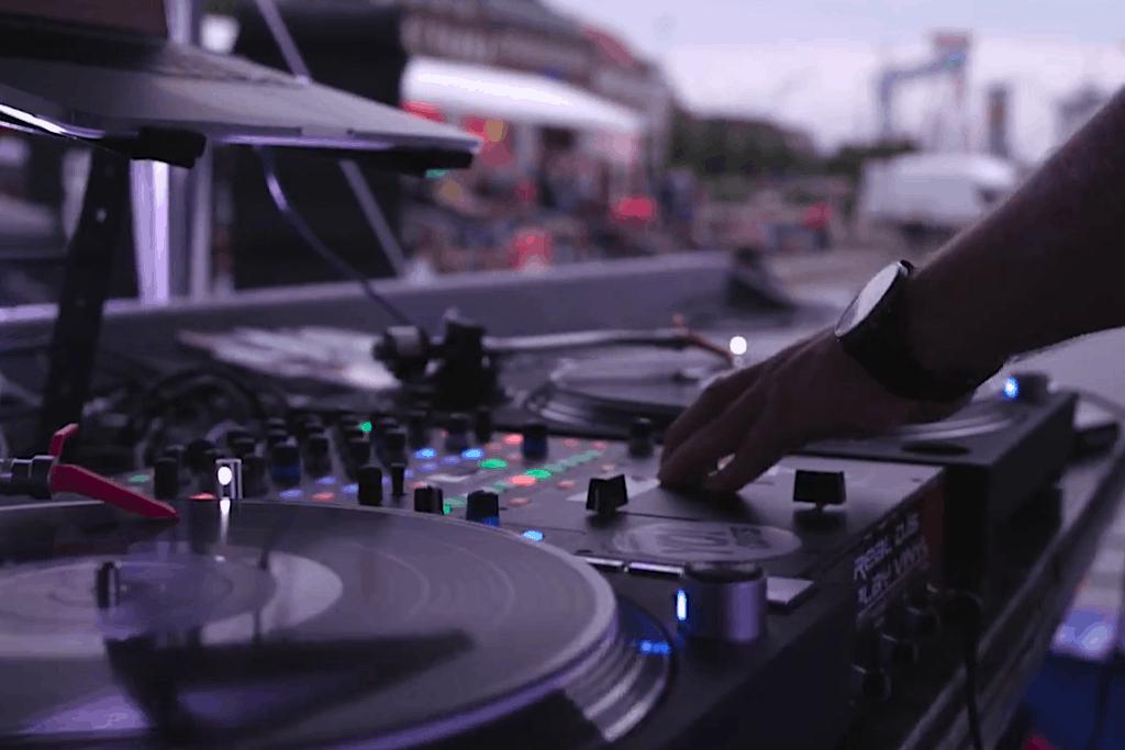 Das war das Technics DJ-Battle 2017 auf der Kieler Woche.