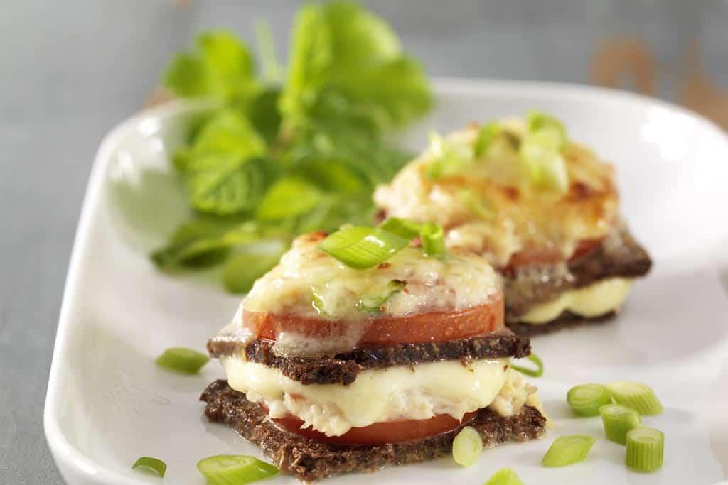 Forellen-Brot mit Käse überbacken