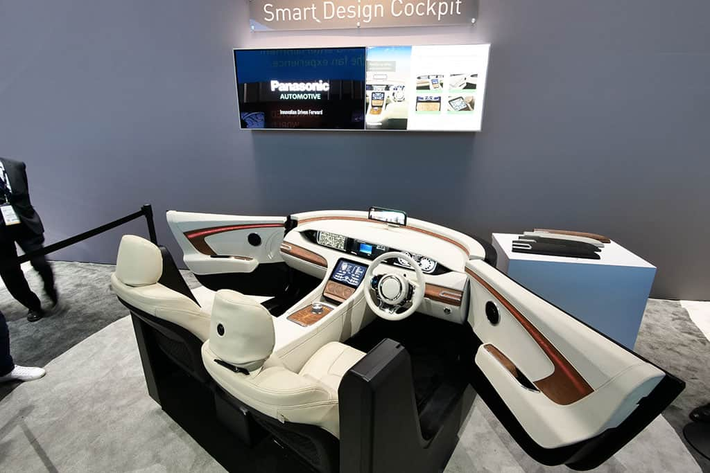 Smart Design Cockpit von Panasonic bei der CES 2018 in Las Vegas