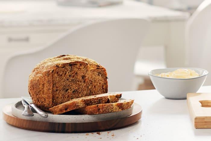 Herzhaft knuspriges Polenta-Brot. Hier gibt's das Brot-Rezept zum Brunch-Hit!
