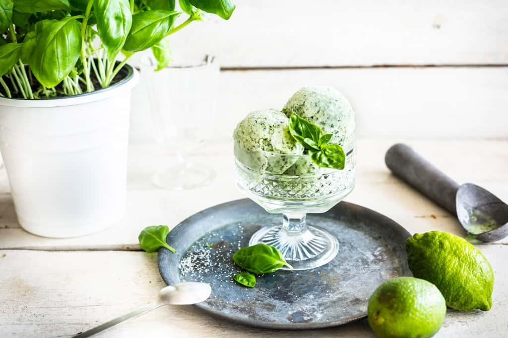 Gin Basil Frozen Joghurt