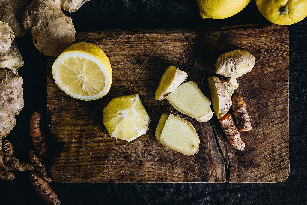Zitronen Ingwer Shot aus dem Slow Juicer