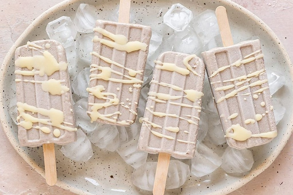 Eis ohne Eismaschine: Rezept für vegane Bananen-Tahini-Nicecream