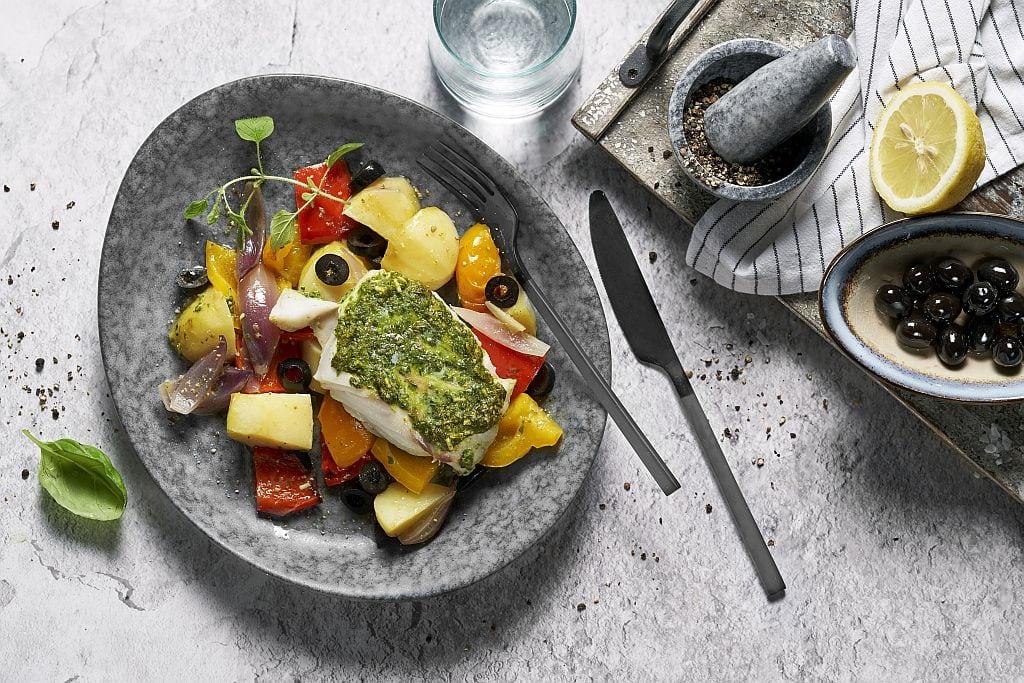 Guten Appetit! Fischfilet mit mediterranem Gemüse