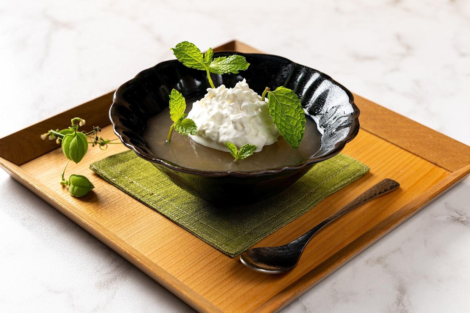 Japanisches Dessert mit Birne